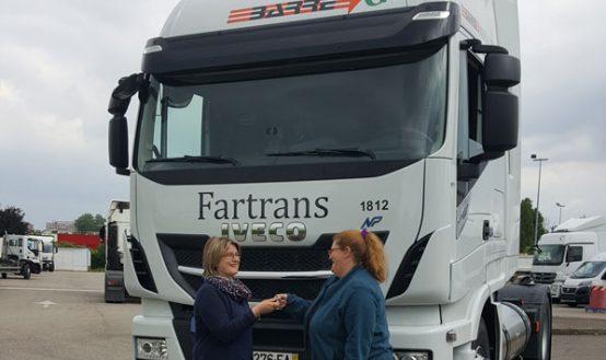 FRAIKIN conforte sa position sur le gaz en fournissant aux Transports BARRE 71 tracteurs roulant au GNL