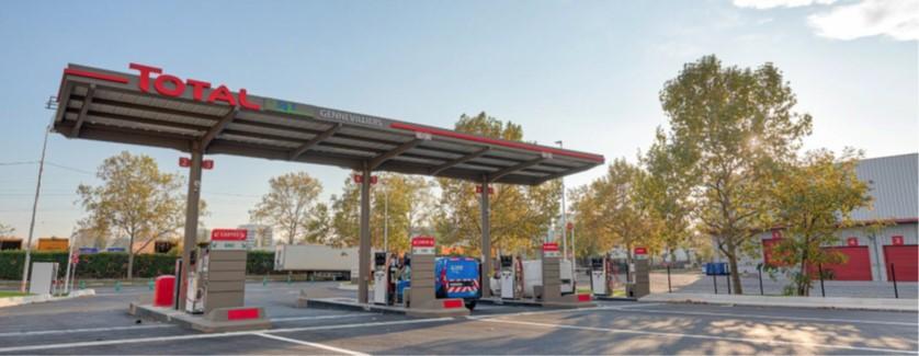 Le 12 février 2021, Total et Sigeif Mobilités ont inauguré la plus grande station GNV et bioGNV de France